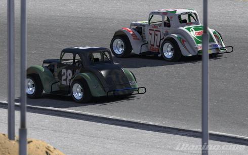 Jewell and Hamer battle for position